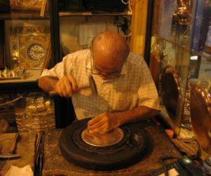 Produzione oggetto artigianale