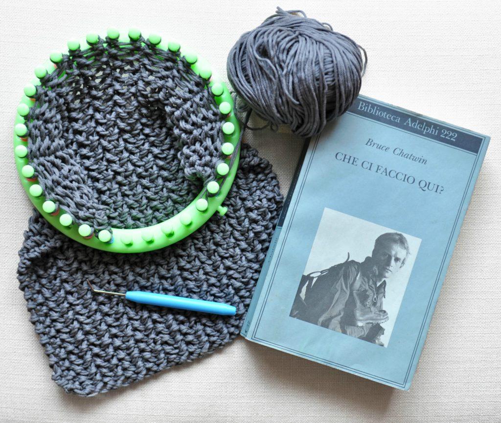 estate 2017 lavoro a maglia e libro
