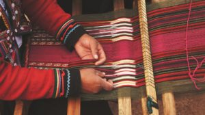 Produzione oggetto artigianale etnico