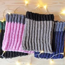 Sciarpa scaldacollo fatta a maglia