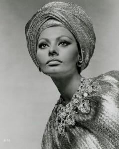 Sofia Loren indossa il turbante