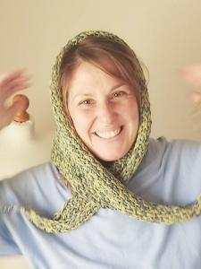 Il foulard indossato come cappuccio